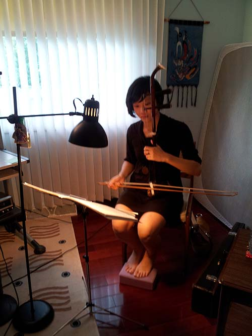 I took lessons for the Erhu (two-stringed Chinese instrument) before my freshman year at UIC started and it was going really well but then I got too busy with school and didn't continue until now! I have dramatically recalled how to play and it's been great! I am planning on going home every weekend to take lessons and to keep up with music because I really love it. (: